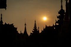 burma myanmar pagodashwedagon yangon Arkivfoton