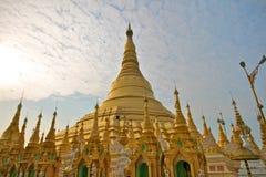 burma pagodashwedagon yangon Royaltyfri Fotografi