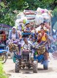 Burmese bönder i Myanmar Arkivfoto