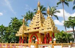 Burmese buddistiska pagoder arkivfoton
