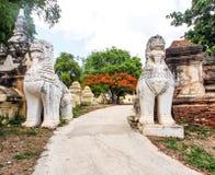 Burmese guardian lion 1 Stock Photography