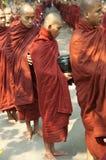 burmese mandalay monksmyanmar procession Arkivbild
