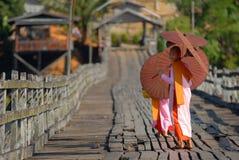 Burmese nunnor. Royaltyfria Foton
