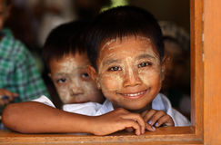 Burmese studenter på skolan Royaltyfri Foto