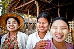 burmese tre kvinnor Royaltyfri Fotografi