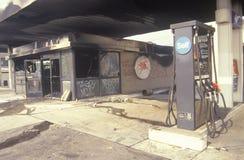 Burn-out de station service pendant 1992 émeutes, Los Angeles centrale du sud, la Californie Image libre de droits
