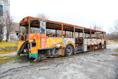Burned the abandoned bus Royalty Free Stock Photography