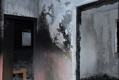 BURNED HOUSE: Doors at home after fire Stock Photos