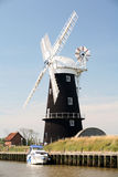 Burney arme le moulin, Norfolk, Angleterre Images libres de droits