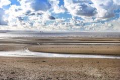 Burnham na praia do mar que olha para o ponto de Hinkley Fotos de Stock