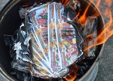 Burning da cédula de inferno Foto de Stock Royalty Free