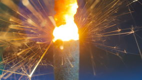 Burning de la bengala del fuego artificial Fotos de archivo