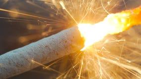 Burning de la bengala del fuego artificial Imagenes de archivo