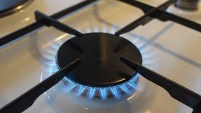 Burning della stufa di gas archivi video
