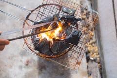 burning kol arkivbilder