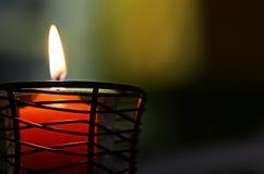 Burning léger de bougie molle abstraite du fond un photos libres de droits