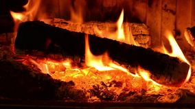 burning spisträ stock video