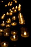 burning stearinljus rad Royaltyfri Bild