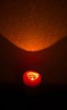 burning stearinljusdark Royaltyfri Bild