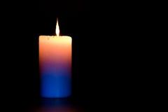 burning stearinljusdark royaltyfria bilder