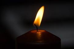 burning stearinljusdark Fotografering för Bildbyråer