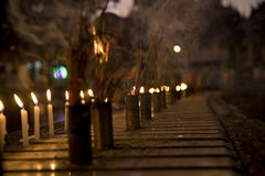 burning stearinljusrökelsesticks Arkivbilder