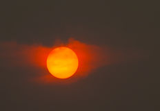Free Burning Sun And A Hazy Sky Royalty Free Stock Photography - 78421677