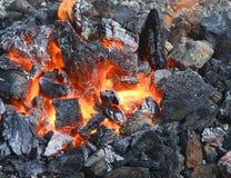 Burninging木炭 免版税图库摄影