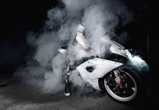 Burnout del motociclista Fotografie Stock Libere da Diritti