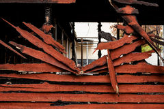 Burnt łamająca drewno ściana Zdjęcia Royalty Free
