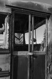 Burnt out autobus szkolny drzwiowy Zdjęcie Royalty Free