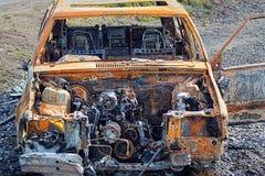 Burnt Out Ośniedziały samochód Zaniechany wrak Obrazy Royalty Free