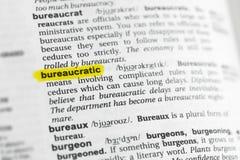` Burocrático destacado del ` inglés de la palabra y su definición en el diccionario imágenes de archivo libres de regalías