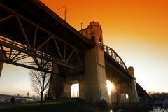 Burrard-Straßen-Brücke lizenzfreies stockbild