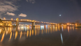 Burrardbrug in nacht Stock Fotografie