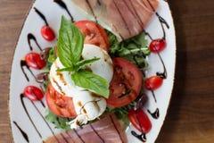 Burrata Caprese Stock Foto