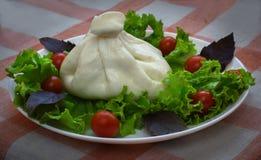 Burrata ser na talerzu Zdjęcie Stock