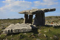 Poulnabrone Dolmen royalty free stock photos