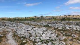 Burren Nationaal Park, Ierland stock footage