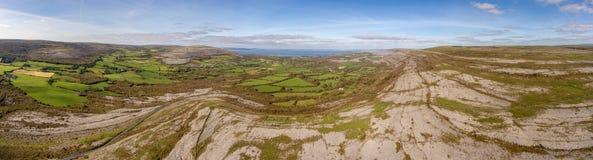 Burrennationalparken i ståndsmässiga clare, Irland Härlig scenisk sikt arkivbilder