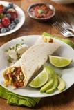 Burrito caloroso della prima colazione del chorizo Fotografie Stock