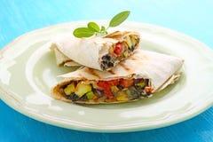 Burrito con las verduras asadas a la parrilla Imagen de archivo libre de regalías