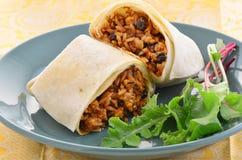 Burrito del fagiolo nero e del pollo Fotografie Stock