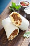Burrito do café da manhã com chouriço e ovo imagens de stock