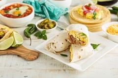 Burritos προγευμάτων με τα αυγά και τις πατάτες Στοκ Φωτογραφία