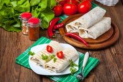 Burritos wypełniali z mięsem, fasolą i warzywami minced, Obraz Royalty Free