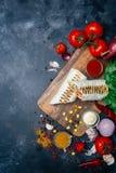Burritosomslagen met geroosterde vlees en groenten - peper, tomaten en graan stock foto's