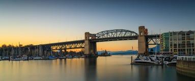 Burrnard bro Fotografering för Bildbyråer