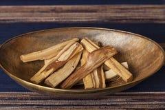 Bursera graveolens,已知用西班牙语作为帕洛桑托'圣洁木头' 免版税图库摄影