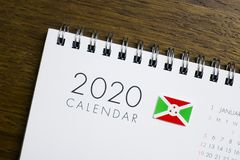 Burundi flagga på kalendern 2020 arkivfoto